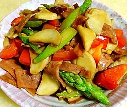 杏鲍菇芦笋炒培根的做法