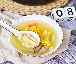 #秋天怎么吃#猪肝玉米菌菇汤的做法