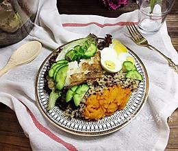 #春季减肥,边吃边瘦#香煎巴沙鱼南瓜藜麦沙拉的做法