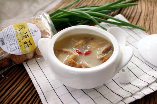 【养胃食疗】猴头菇猪肚汤的做法