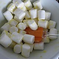 用棉花糖自制翻糖皮的做法图解1