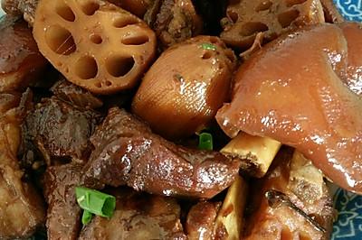 沙锅莲藕猪蹄煲