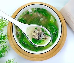 #餐桌上的春日限定#青菜丸子汤的做法