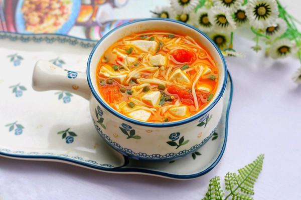 番茄豆腐金针菇汤的做法