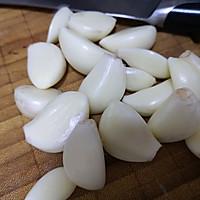 蒜片爆炒牛肝菌的做法图解3