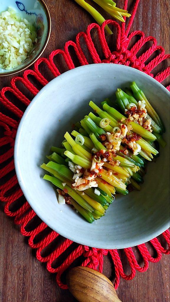 凉拌黄花菜的做法