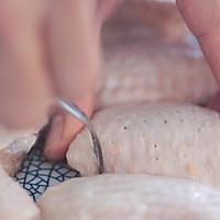 电饭锅烤鸡翅的做法图解1
