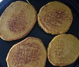 玉米面饼子的做法