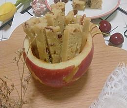 宝宝秋季腹泻就吃它!酸甜开胃补脑补铁的的12+苹果手指条的做法