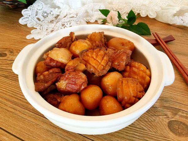 鲍鱼排骨炖小土豆