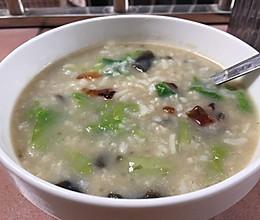 减肥食谱之剩饭妙用——青菜皮蛋粥 超级简单的早餐食谱的做法
