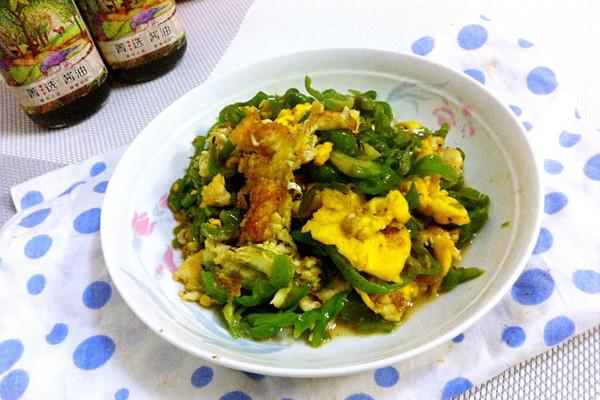 #菁选酱油试用之青椒煎蛋#的做法