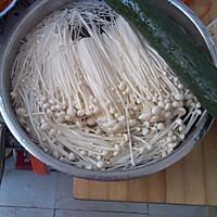 金针磨拌黄瓜的做法图解1