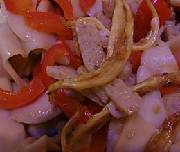 手臂菇与红菜椒的做法