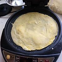 鸡蛋煎饼早餐十分钟搞定的做法图解3