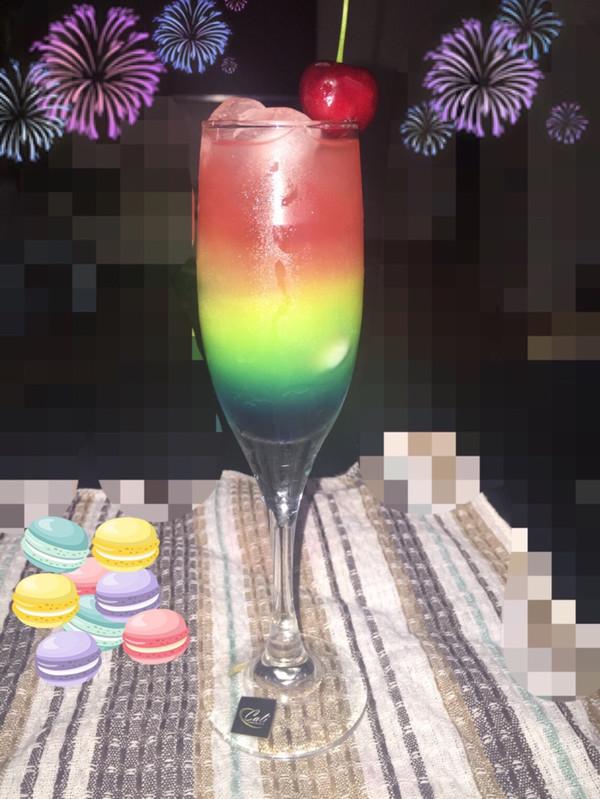 彩虹鸡尾酒 无酒精饮料 分层饮料的做法