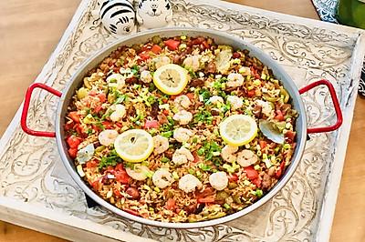 大虾熏肠什锦烩饭