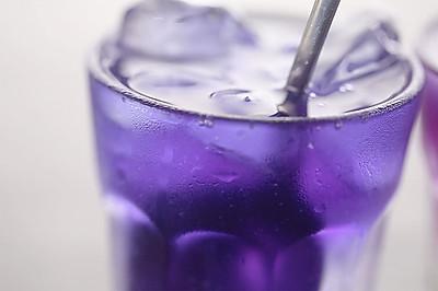蝶豆花渐变饮料