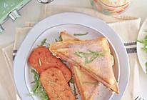 #全电厨王料理挑战赛热力开战!#香煎午餐肉和热三明治的做法