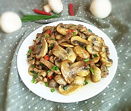 肉丝炒口蘑。的做法