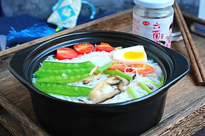 六菌汤鲜蔬米线