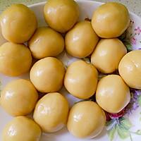 蛋黄豆沙月饼的做法图解6