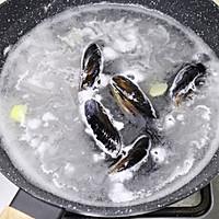 #硬核菜谱制作人#西班牙至尊海鲜烩饭的做法图解3