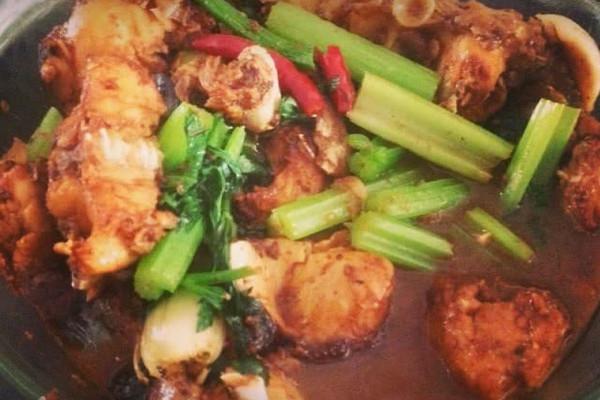 #一鱼两吃 # 红烧胖头鱼+ 鸡腿菇鱼头汤的做法