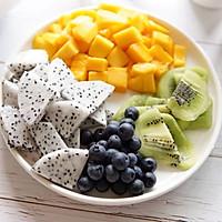酸奶块果缤纷的做法图解2