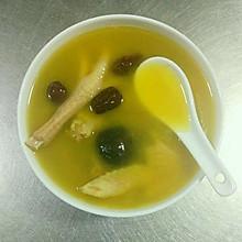 香菇炖鸡汤