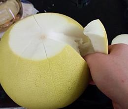 剥柚子的做法