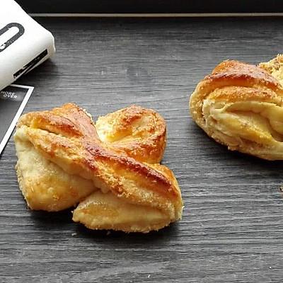 香香滴奶油蝴蝶结椰蓉面包