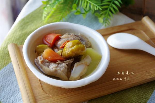 【补气益血】板栗鸡汤的做法