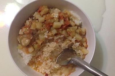 西红柿酱土豆拌饭