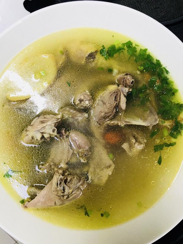 滋补鸽子汤的做法