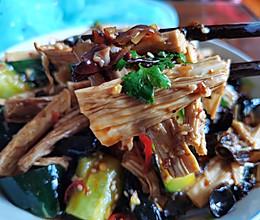 腐竹木耳凉拌黄瓜的做法