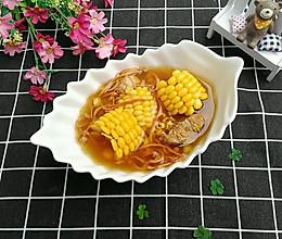 虫草花芡实玉米排骨汤的做法