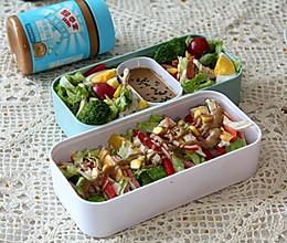 #四季宝蓝小罐#低脂健康的——饺子皮蔬菜卷饼的做法