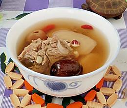 芡实淮山猪骨汤的做法