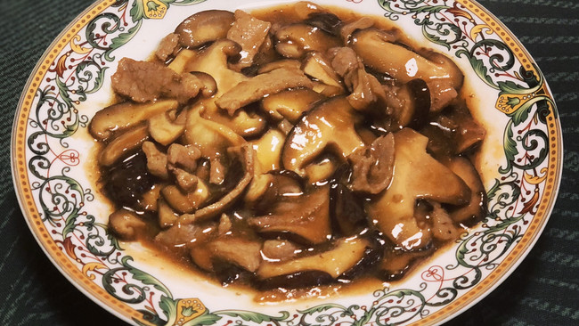 鲜香菇炒肉片的做法