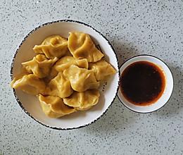 黄灿灿的素三鲜水饺的做法