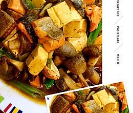 三文鱼红烧蘑菇豆腐的做法