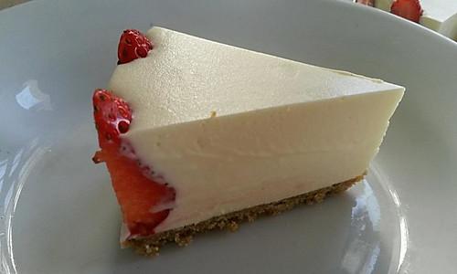 冻芝士草莓慕斯蛋糕的做法