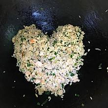 虾仁葱花鸡蛋炒饭