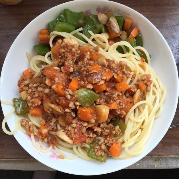 香菇番茄肉酱意大利面的做法