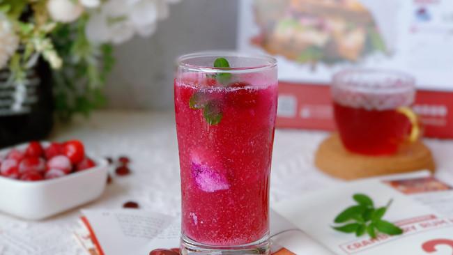 #轻饮蔓生活#蔓越莓火龙果冰饮的做法