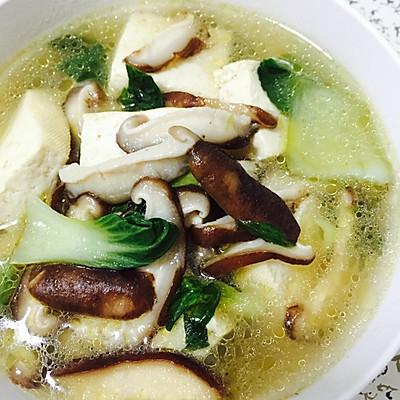 白菜香菇豆腐汤