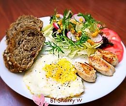 减肥早餐-鸡胸肉鸡蛋蔬菜沙拉的做法
