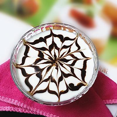 巧克力拉花老酸奶