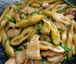 即补腰脊又超下饭的:鲜狗子豆炒腩肉的做法
